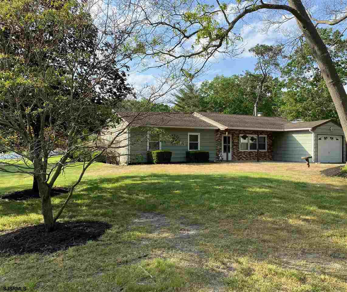You've been waiting, here it is, perfect Ranch Home in small secluded neighborhood, 1452sf, over siz