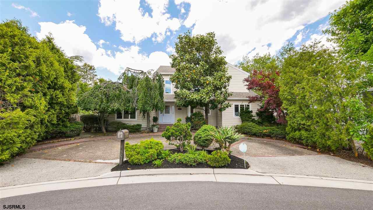 Absolutely beautiful home on an expansive lot in Margate's highly sought-after Parkshore neighborhoo