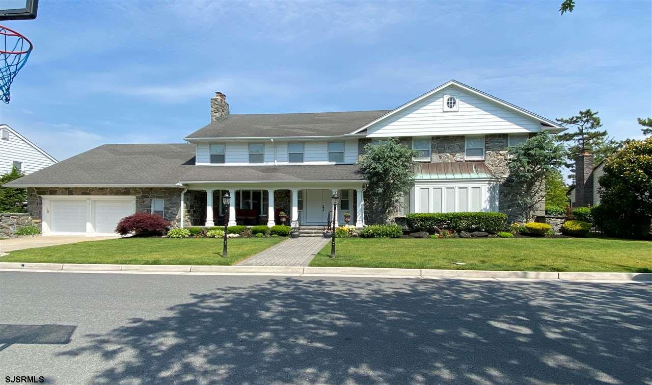 7807 Marshall is a home that is rare to our area, so rare in fact that only family has owned it sinc