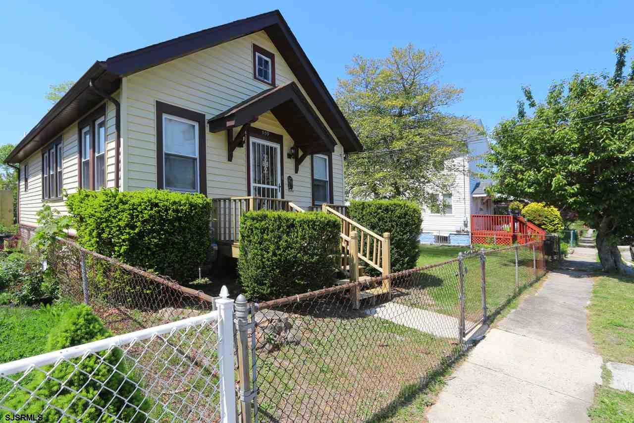 HURRY!, This affordable 2br, 1 ba home is clean, neat, well maintained, priced to sell and ready for