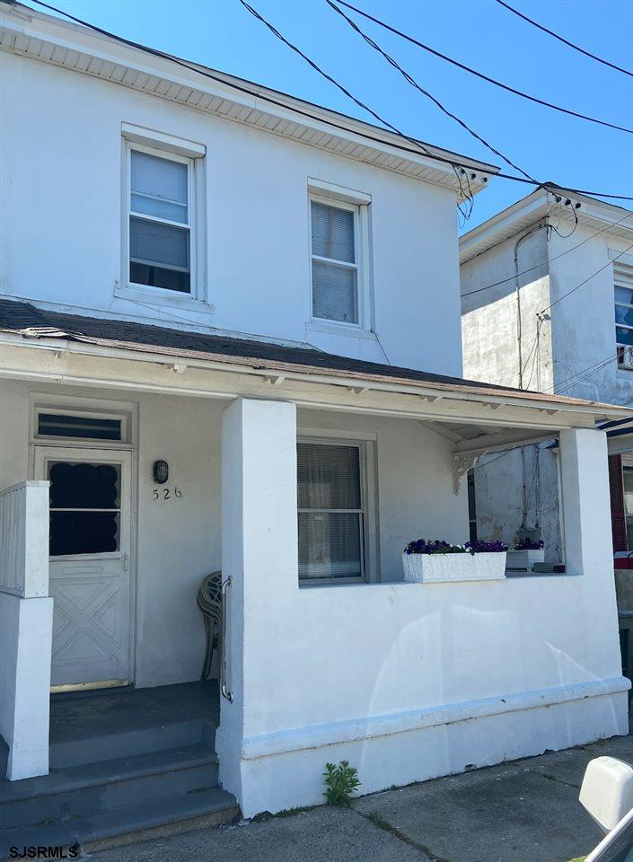 Seller is very motivated. This nice sized two-story semi-detached home is located in the Bungalow Pa