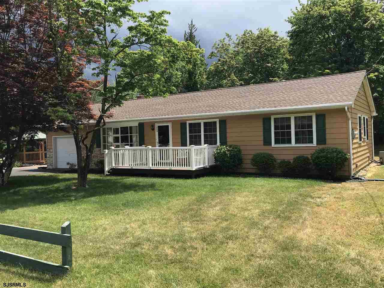 ***NEW LISTING***BEAUTIFULLY MAINTAINED AND CARED FOR RAMBLING 4 BEDROOM 1 1/2 BATH RANCH with PROFE