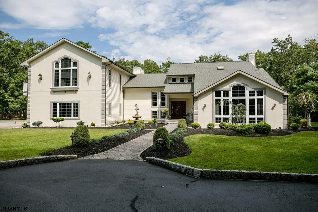 ***GALLOWAY NEW LISTING ALERT***4 BED 3.5 BATHS***2 MASTER SUITES***IN-GROUND GUNITE POOL***3 CAR AT
