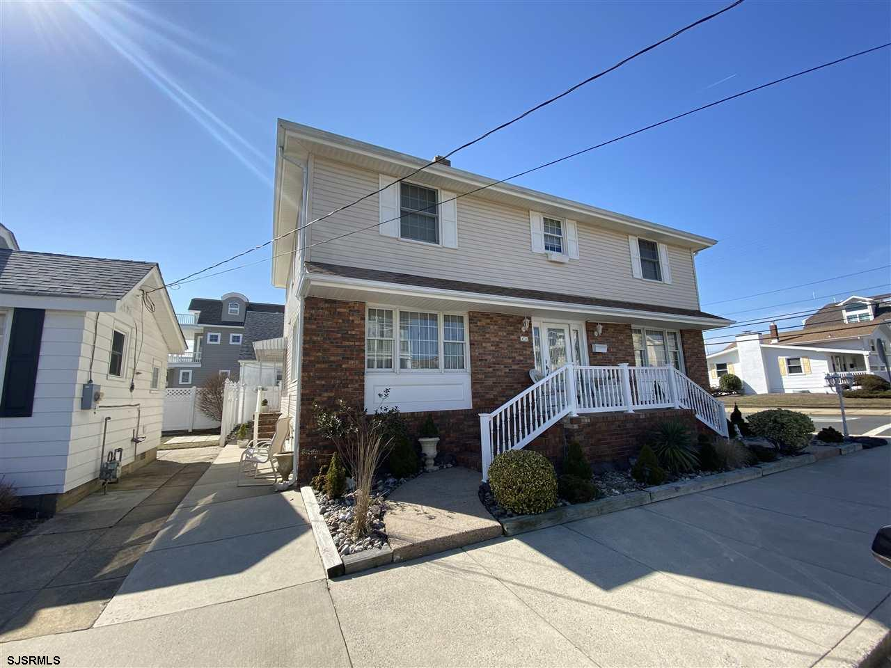 SOUTHSIDE LONGPORT WITH OCEANVIEWS!!! FABULOUS CORNER PROPERTY RIGHT ACROSS FROM THE BEST BEACH!! Th