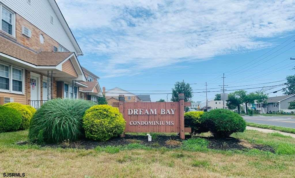 Your dream come true at Dream Bay Condominiums! Here it is! Super cute 2 bedroom 1 full bath second