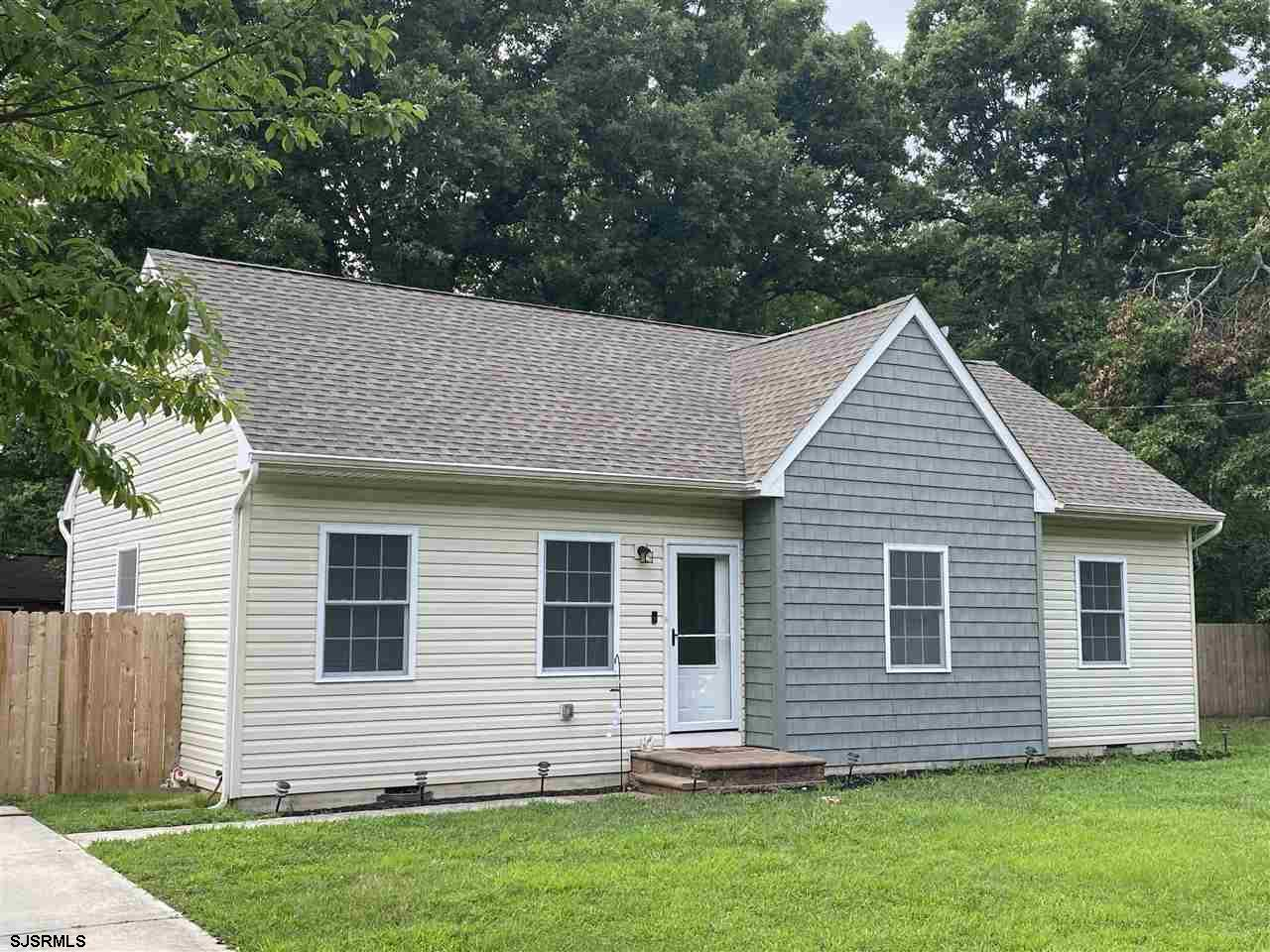 Welcome Home to this quaint 3 bedroom, 1 bath home located on a quiet cul-de-sac in Egg Harbor Twp.