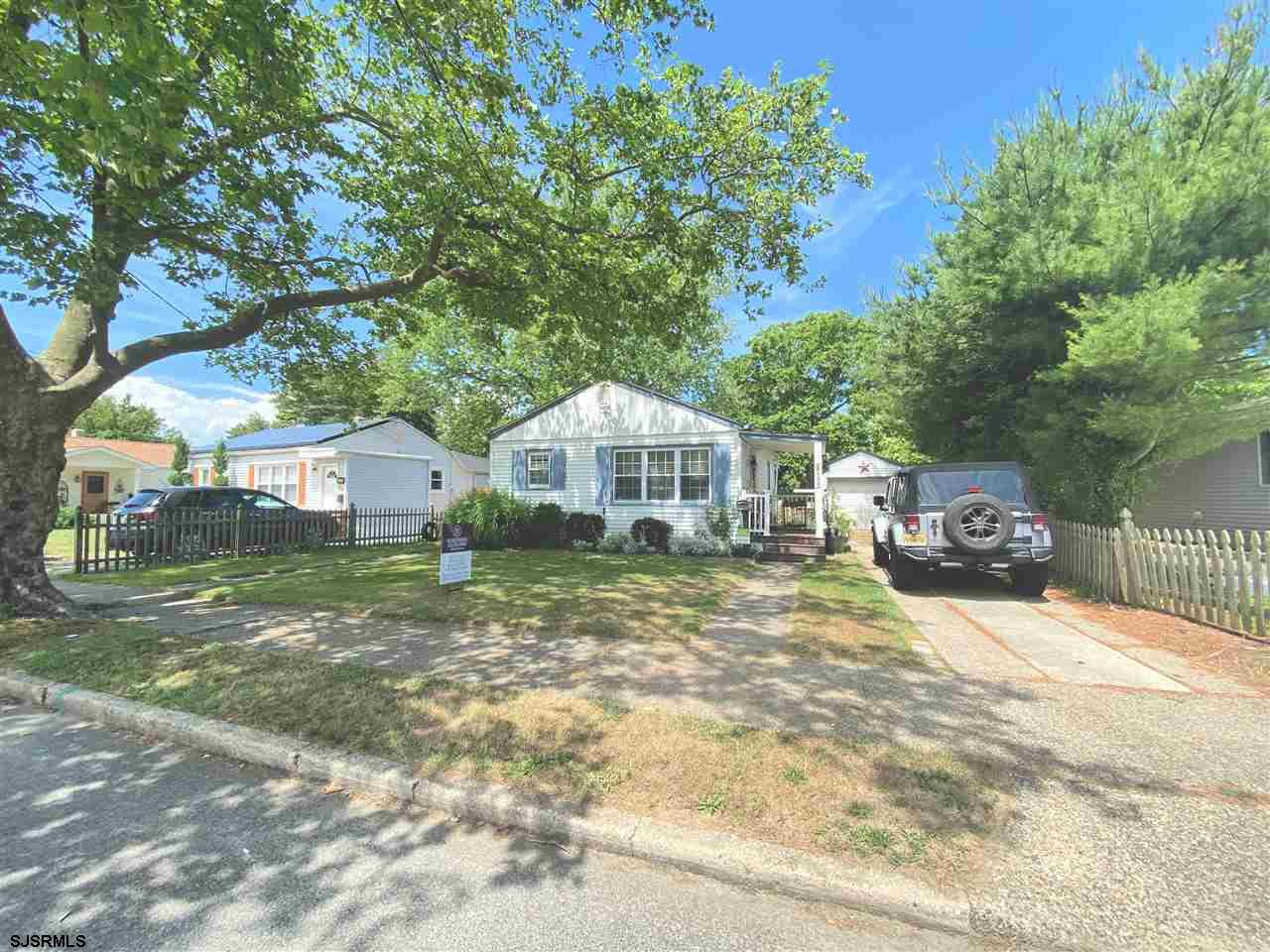 **NEW PRICE!** ADORABLE MOVE-IN READY HOME WITH HUGE YARD!! This lovely two bedroom home features ha