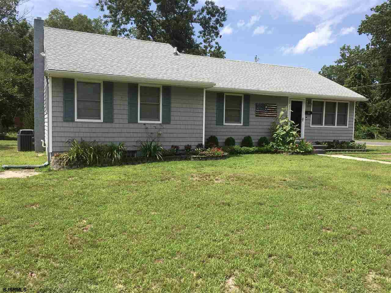 Looking for the perfect size ranch, than this is the home for you! There are 4 bedrooms & 2 full bat