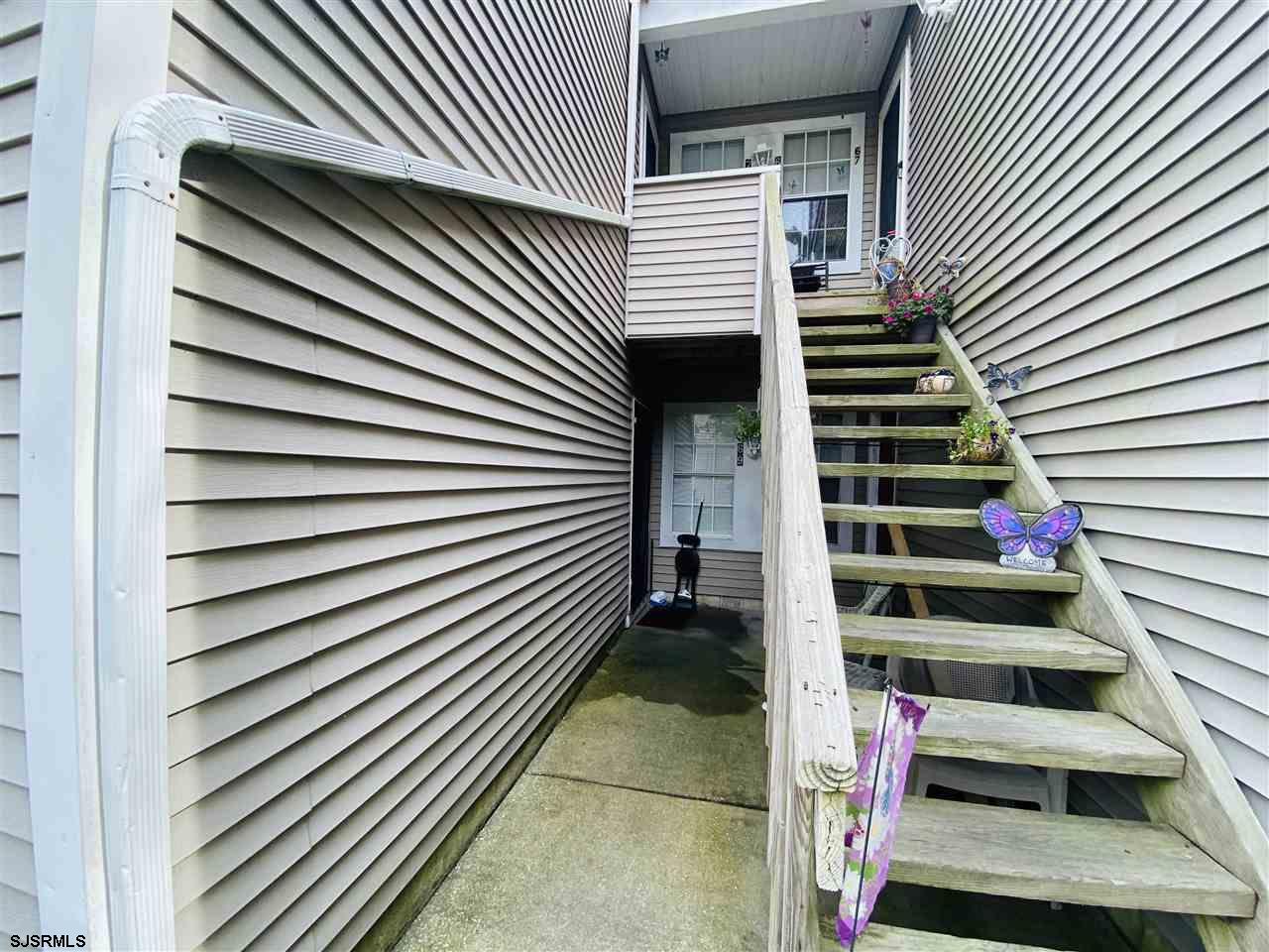 ***SMITHVILLE NEW LISTING ALERT***FOX CHASE 1ST FLOOR 1 BED 1 BATH***NICELY MAINTAINED***GAS HEAT***