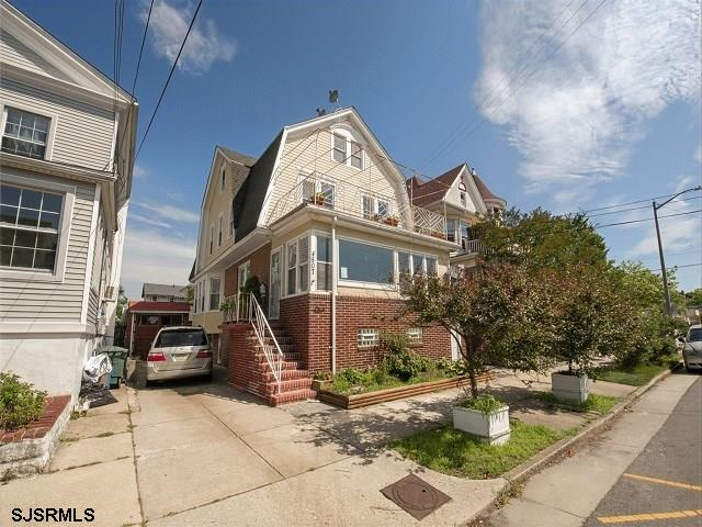 Looking for a great opportunity?  Look no more!  This property has tons of potential, this home was