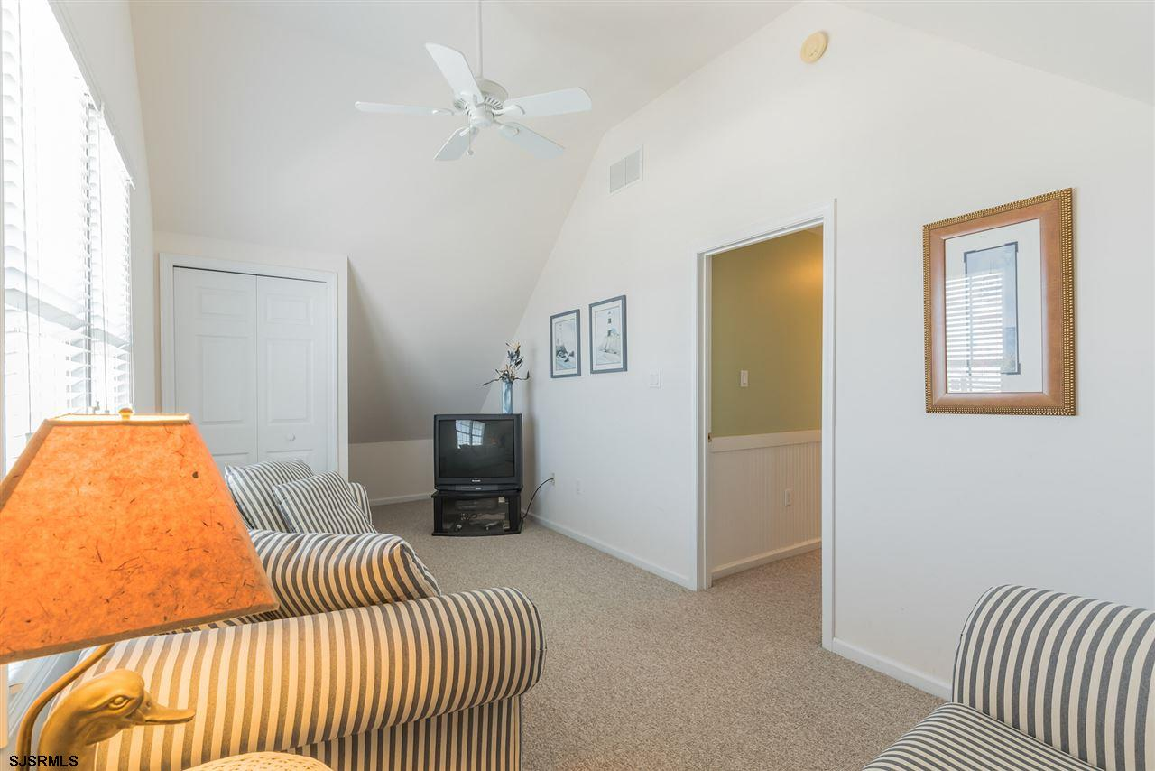 3025 Bay - Picture 21