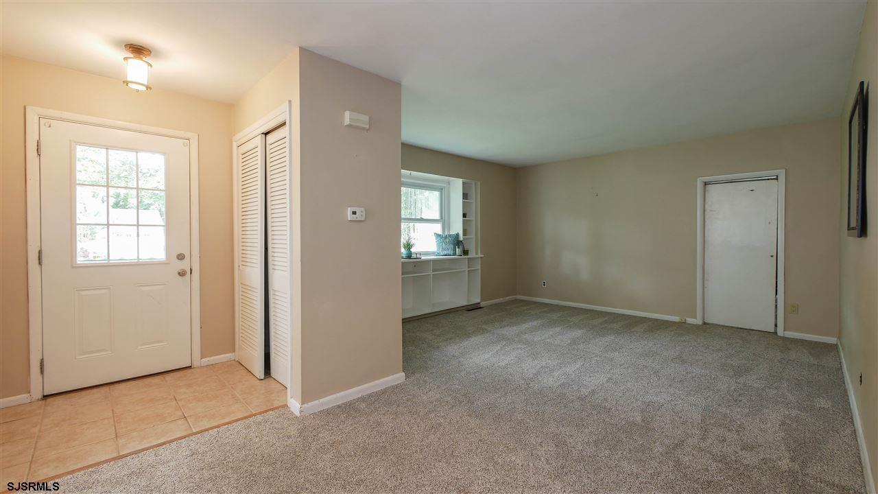 2039 Cedarbridge Rd - Picture 3