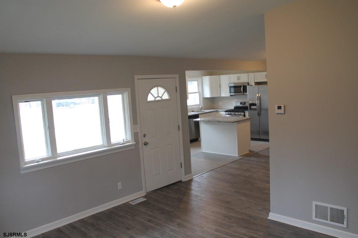 10 Robin Rd - Picture 3