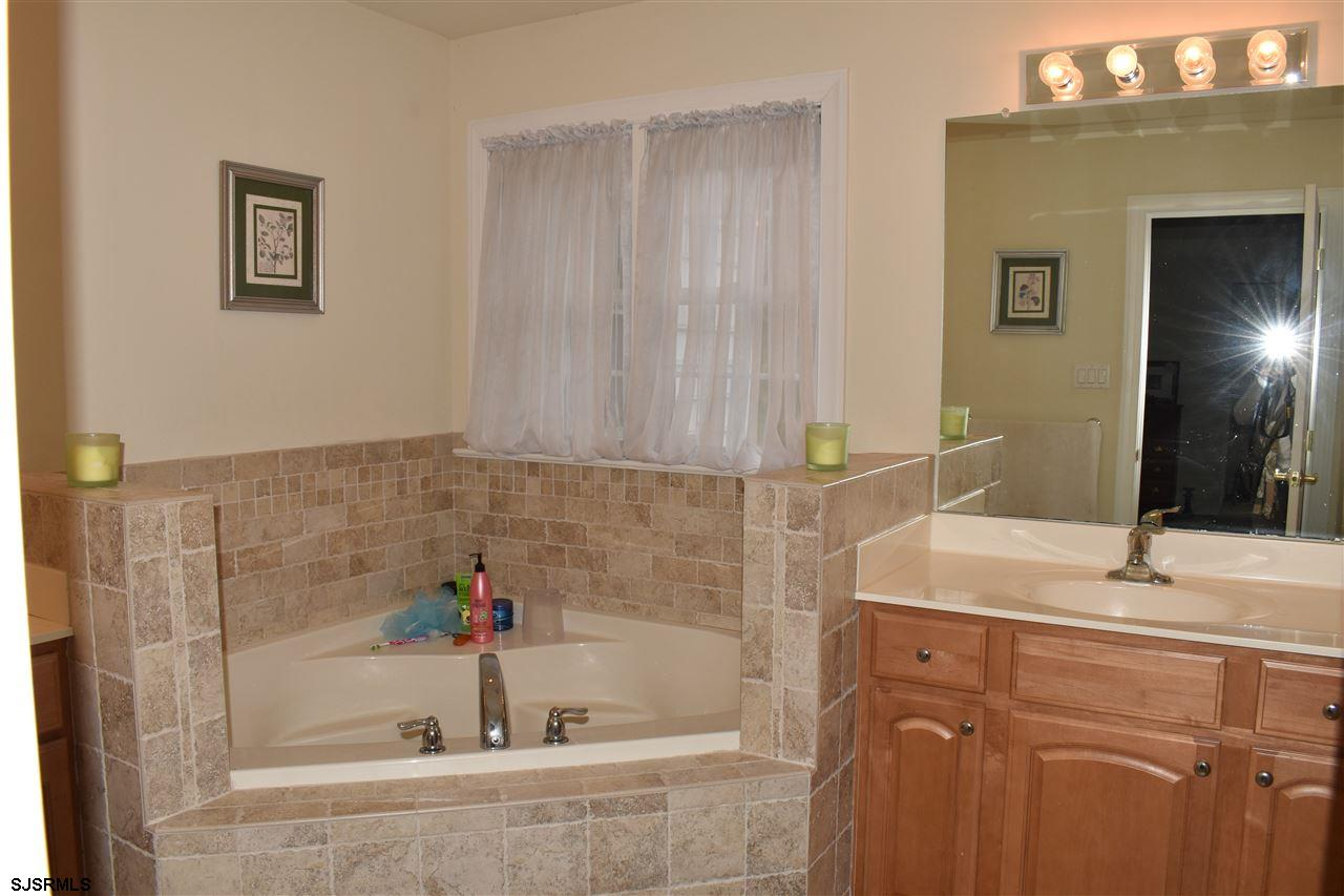 203 Cynwyd Dr - Picture 18