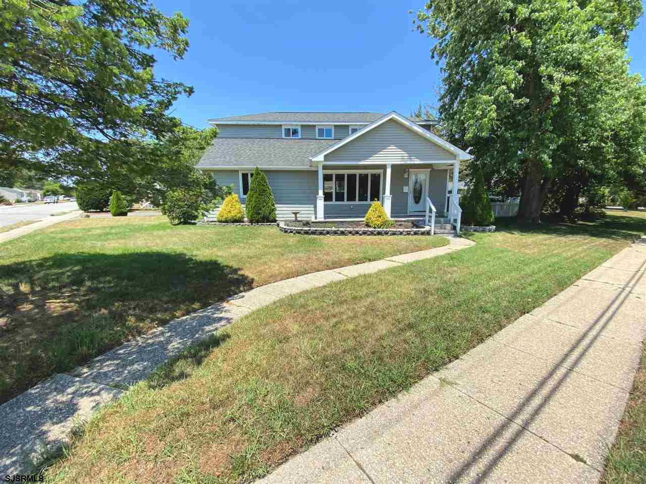 **BRING ALL OFFERS** RENOVATED LINWOOD BEAUTY ON SPACIOUS CORNER PROPERTY!! A lovely front porch wel