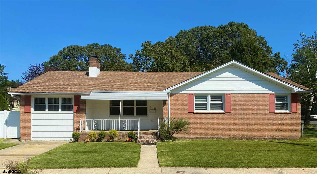 Charming ranch home in quite Northfield neighborhood. Features include: red brick face exterior, cov