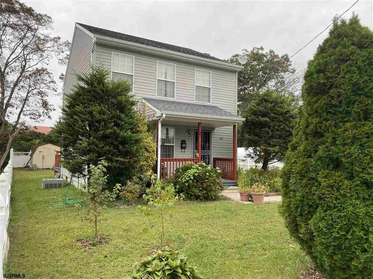 You don't want to miss this house! excellent condition, well maintained, and ready to move in! Make