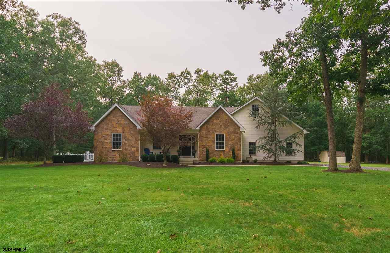 ***CUSTOM BUILT RANCHER***Incredible opportunity to live in a  5 large bedrooms,  3.5 bath home with