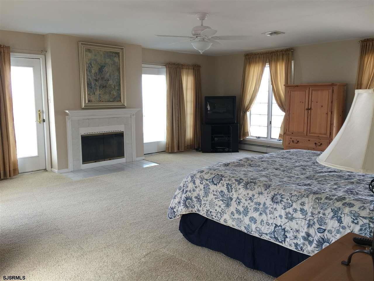 936 N Shore Dr - Picture 18