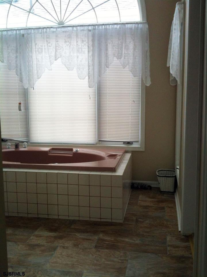 936 N Shore Dr - Picture 22
