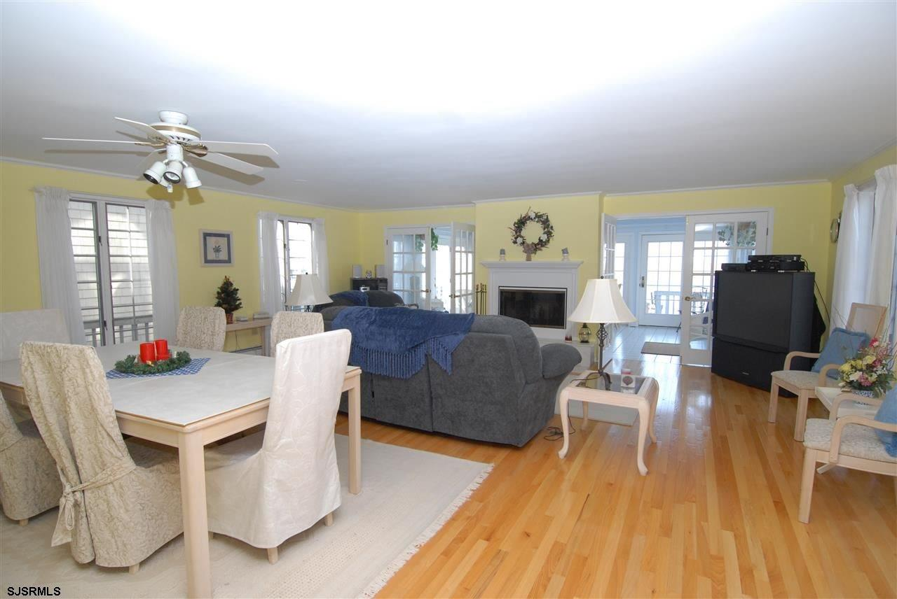 936 N Shore Dr - Picture 10