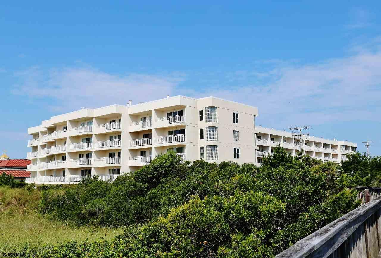 Location is the key to this spacious townhouse in the highly sought after Raman Beach Resort, Oceanf