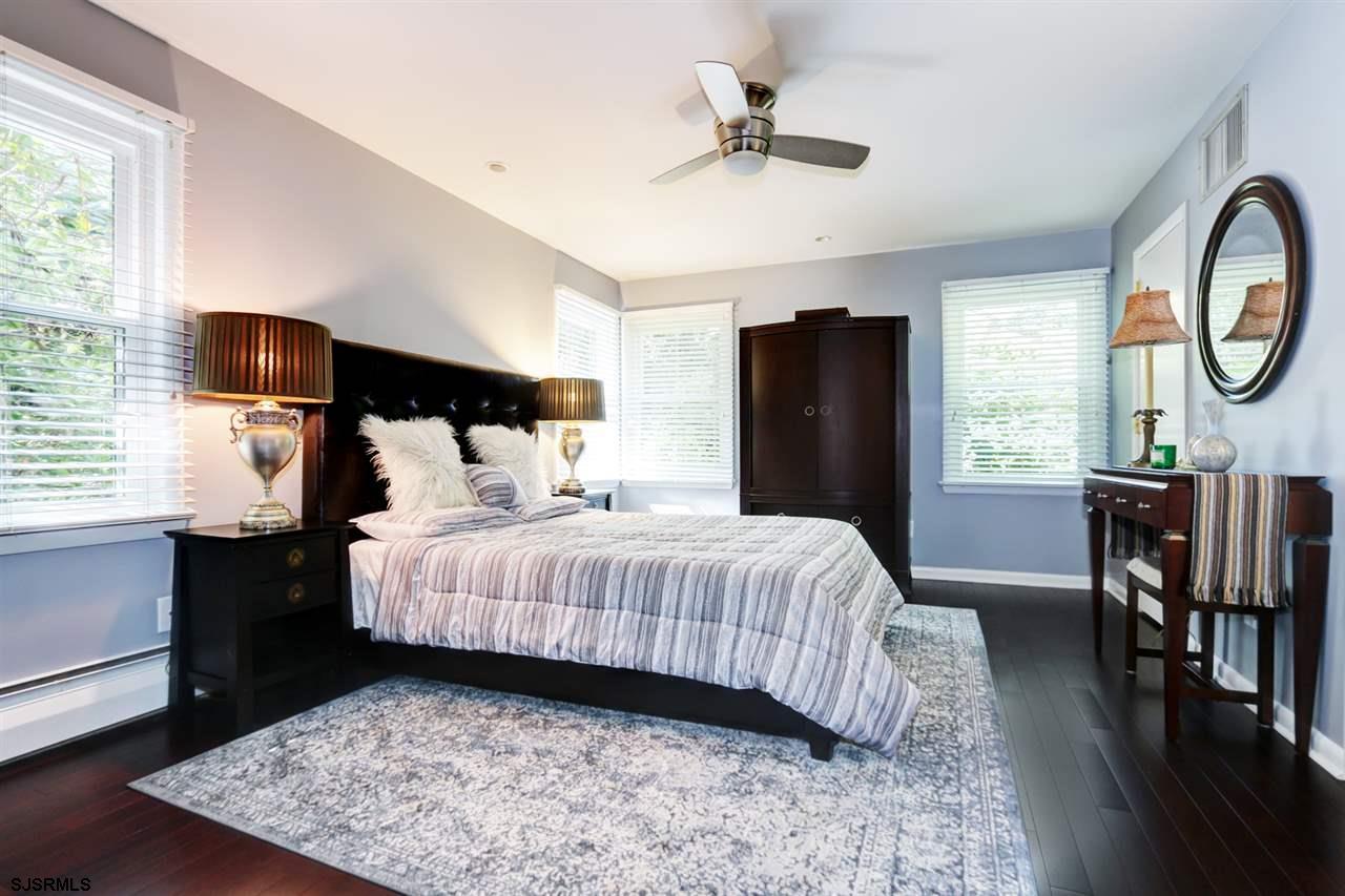 225 W Seaview Avenue - Picture 14