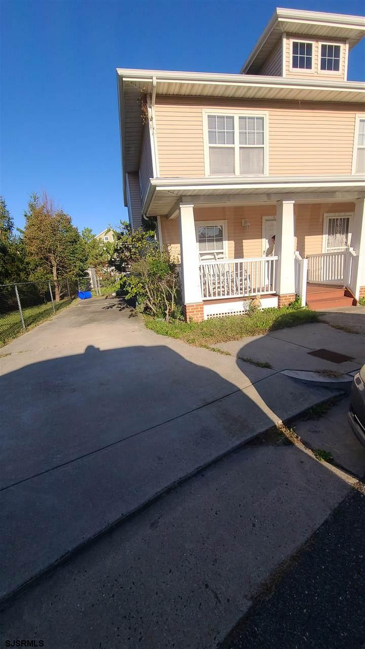 113 Chesapeake Bay Ct - Picture 1