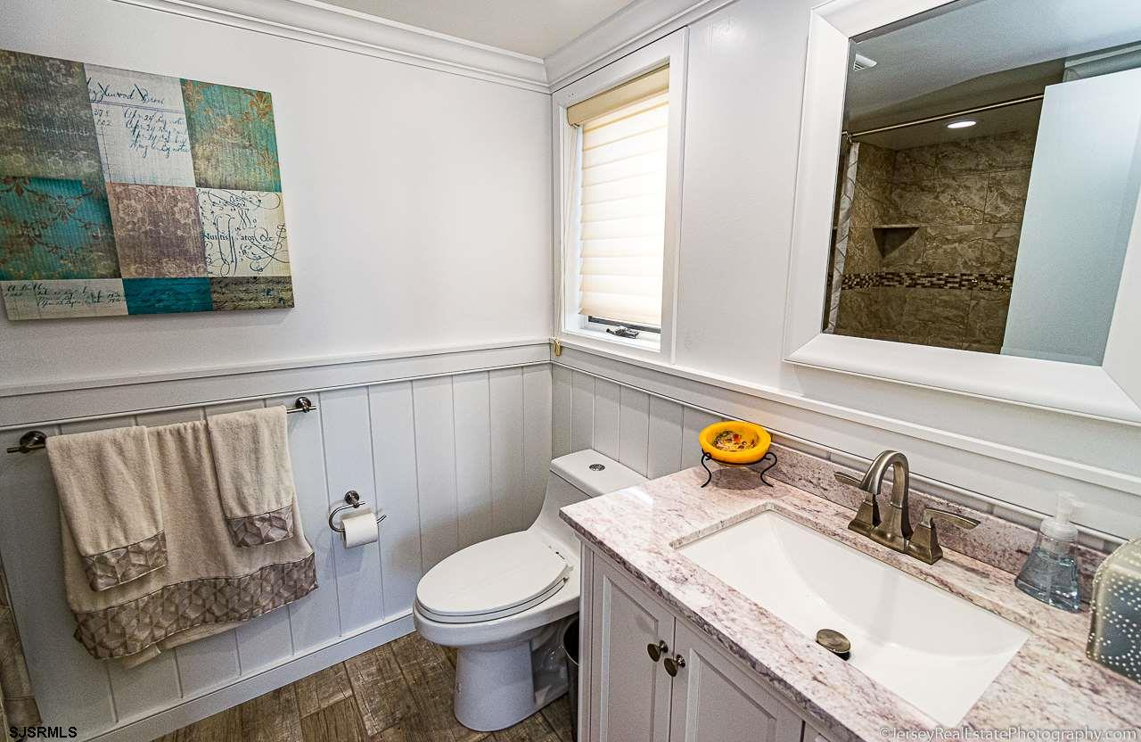 8607 Amherst Avenue - Picture 18