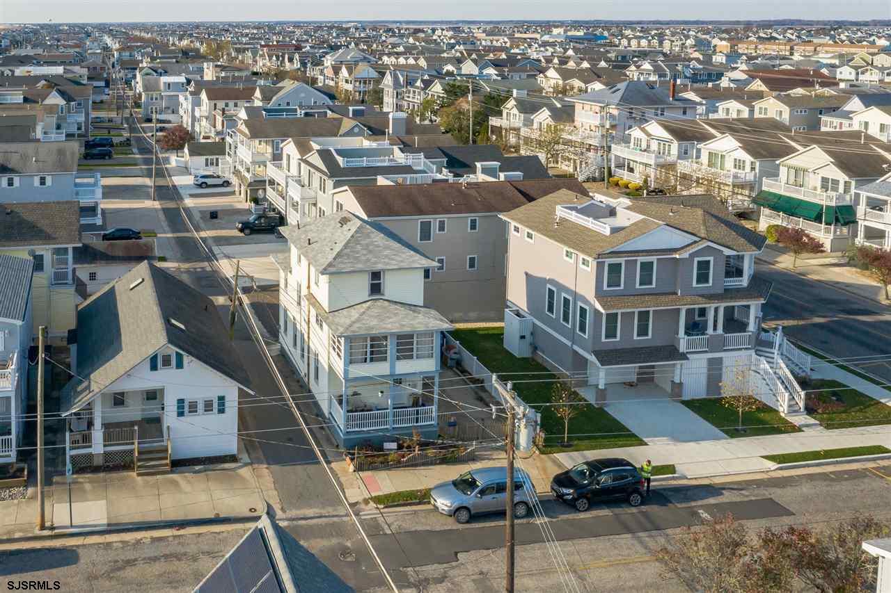 508 E 14th Street - Picture 4