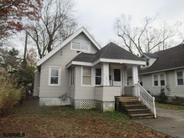 Quaint 3BR/1BA bungalow with finished 2nd floor.  Home offers foyer, LR/dining area, galley kitchen,