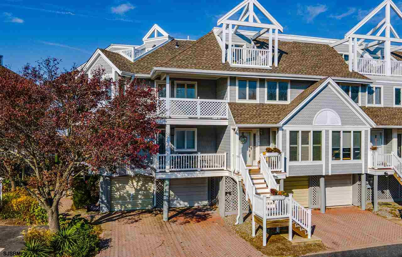 Rare Crown Key Yacht Club townhome is located on the bay in beautiful Ventnor, NJ. This clean and br