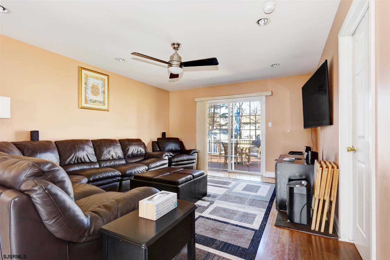 205 Paterson Avenue - Picture 7