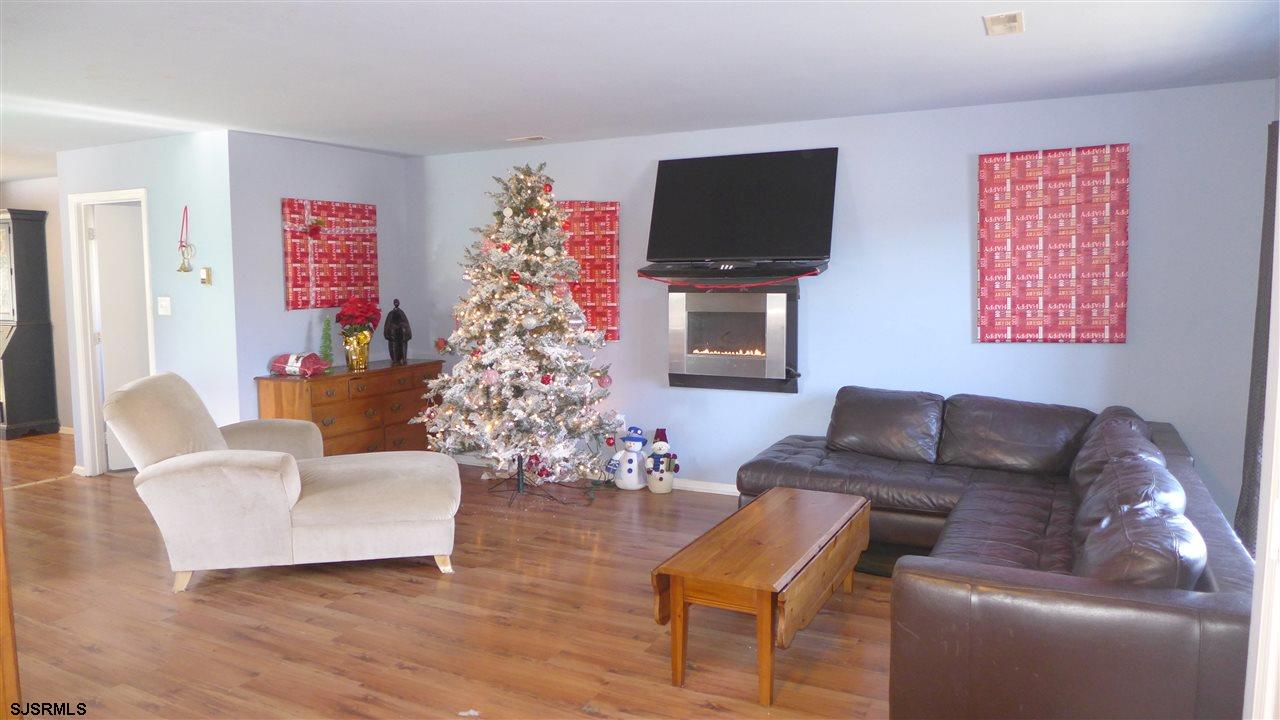57 Freemont Ct - Picture 3