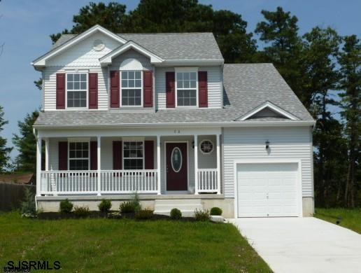 BEAUTIFUL 3 BEDROOM AND 2.5 BATH NEW CONSTRUCTION HOME IN A GREAT NEIGHBORHOOD!  LIVING ROOM, DINING