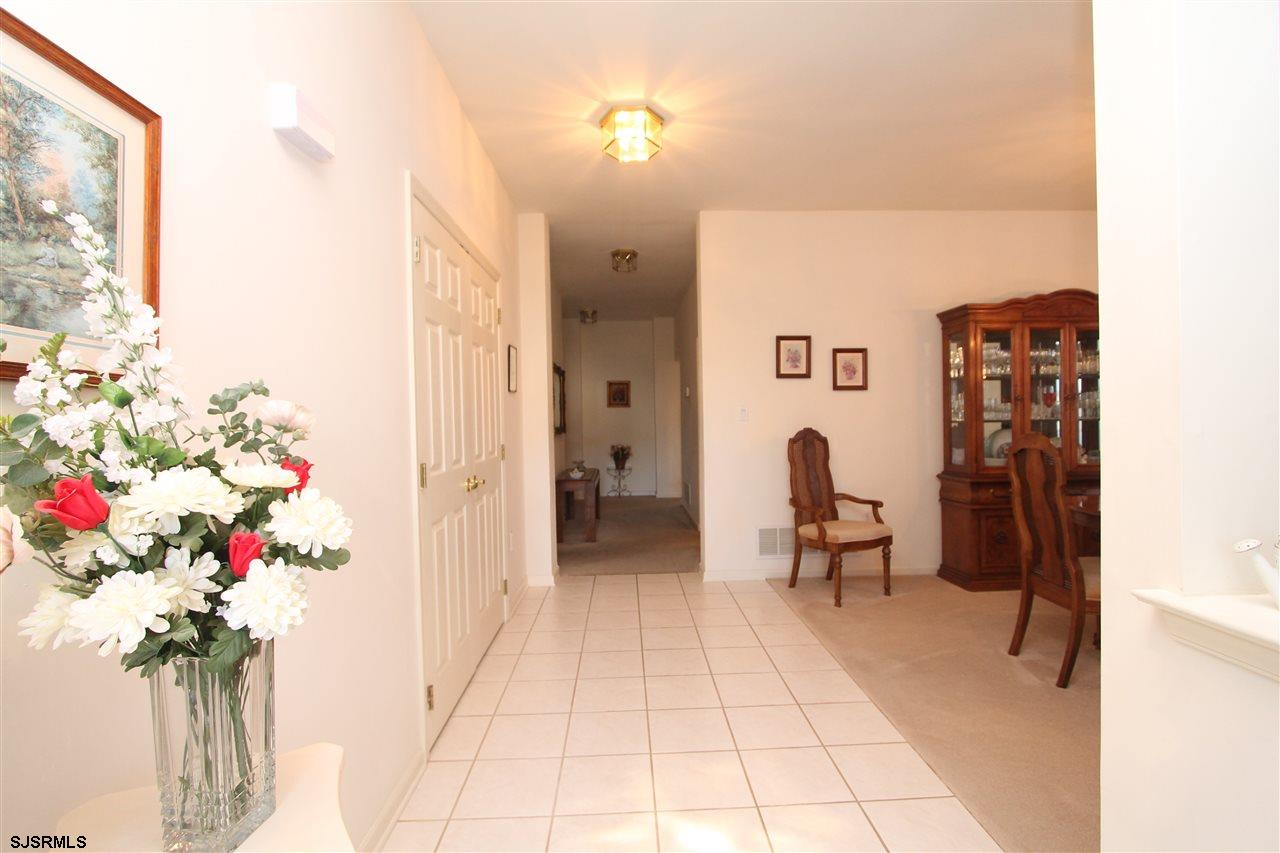 537 Chatham Way - Picture 2