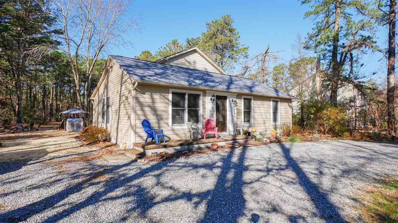 USDA 100% FINANCING AVAILABLE IN THIS LOCATION. BEAUTIFUL RECENTLY REMODELED WITH ENGINEERED HARDWOO