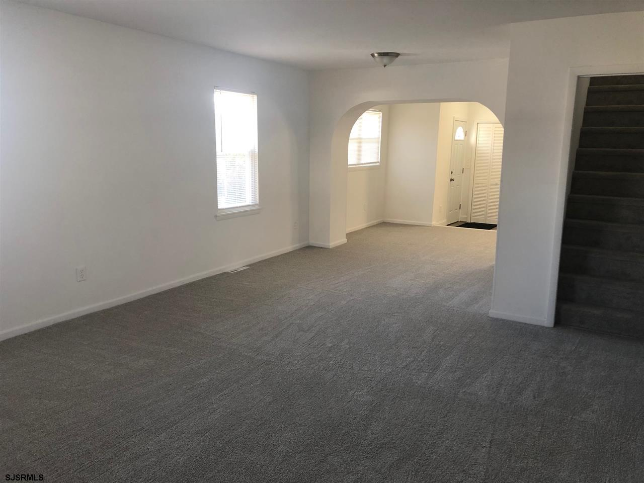 131 W Greenfield Avenue - Picture 3