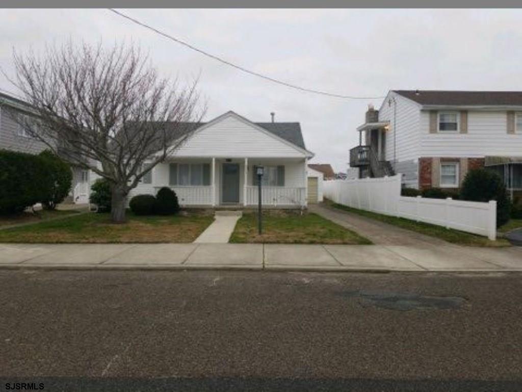 215 7th Street - Picture 1