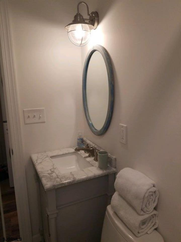 215 7th Street - Picture 17