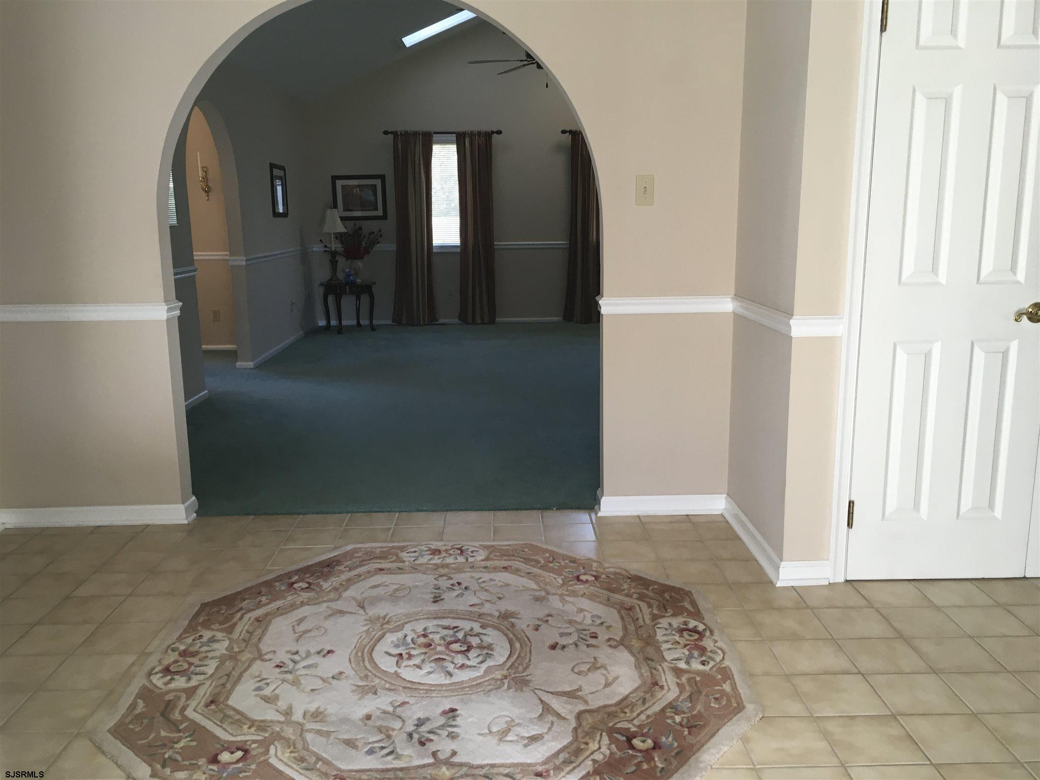 8 Golfview Drive - Picture 2