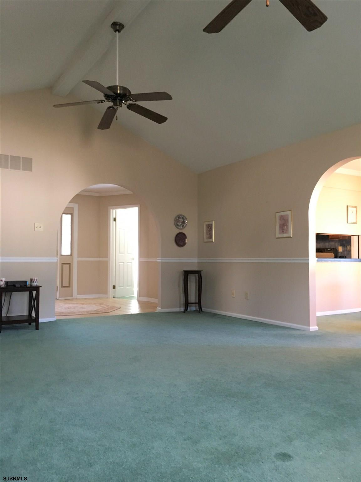 8 Golfview Drive - Picture 4