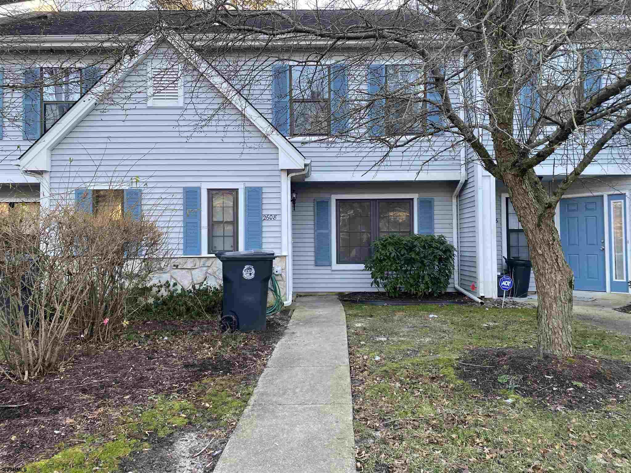 Beautifully renovated 2 bedroom , 2.5 bath townhouse features a living room, eat in kitchen and a la