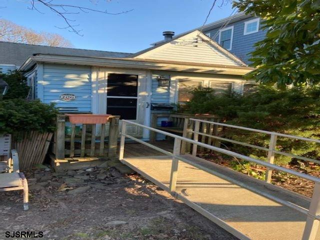 Showings to start on Sunday Jan 24th  ~ Cute & Cozy little Bungalow that needs attention .   Newer c