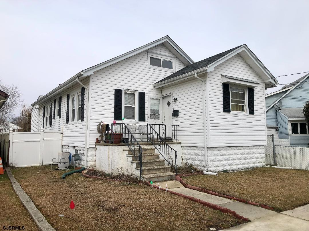 Motivated Sellers, house on quiet street, waiting for a new family to enjoy it, 3 beds 2 baths, with