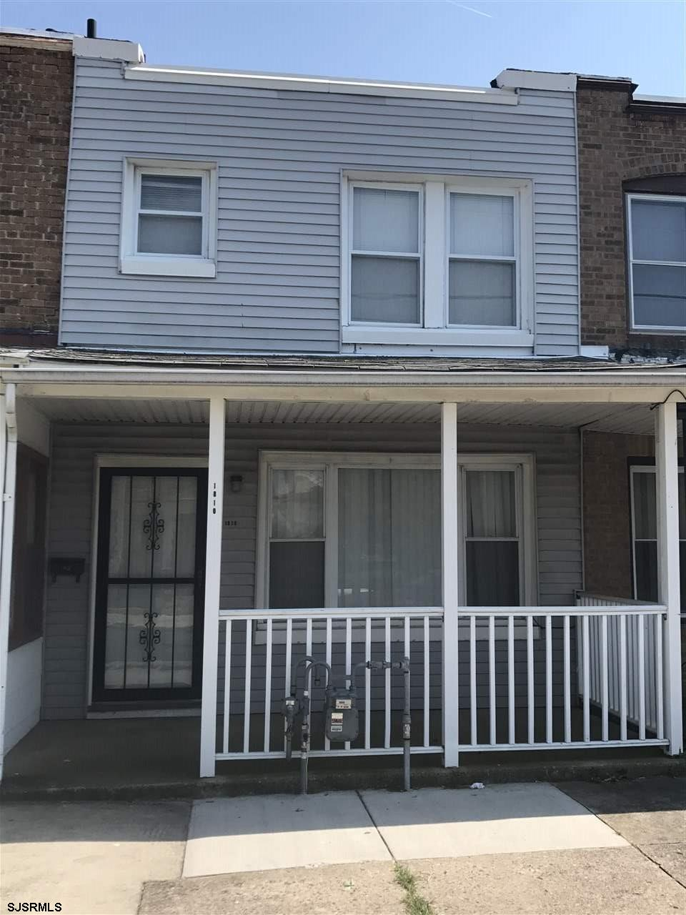 Here is your chance to live in a beach town! Atlantic City home is in short driving distance to outl
