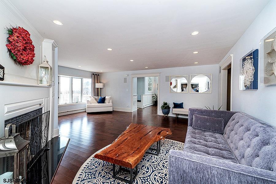 220 E Berkshire Avenue - Picture 7