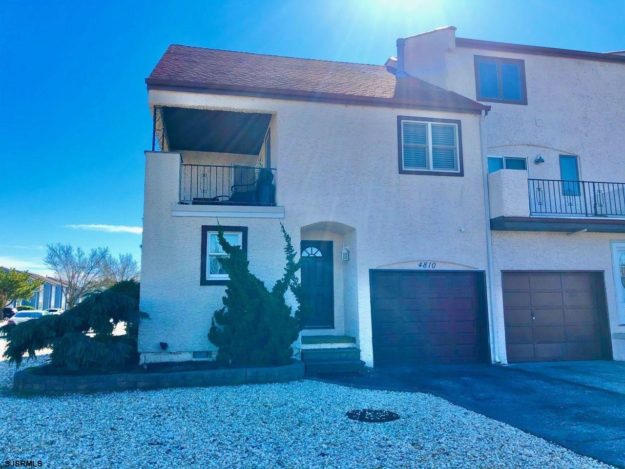 Spectacular Corner Beach Block 4 BR Fee Simple Townhouse! Location, square footage, parking for 4 ca