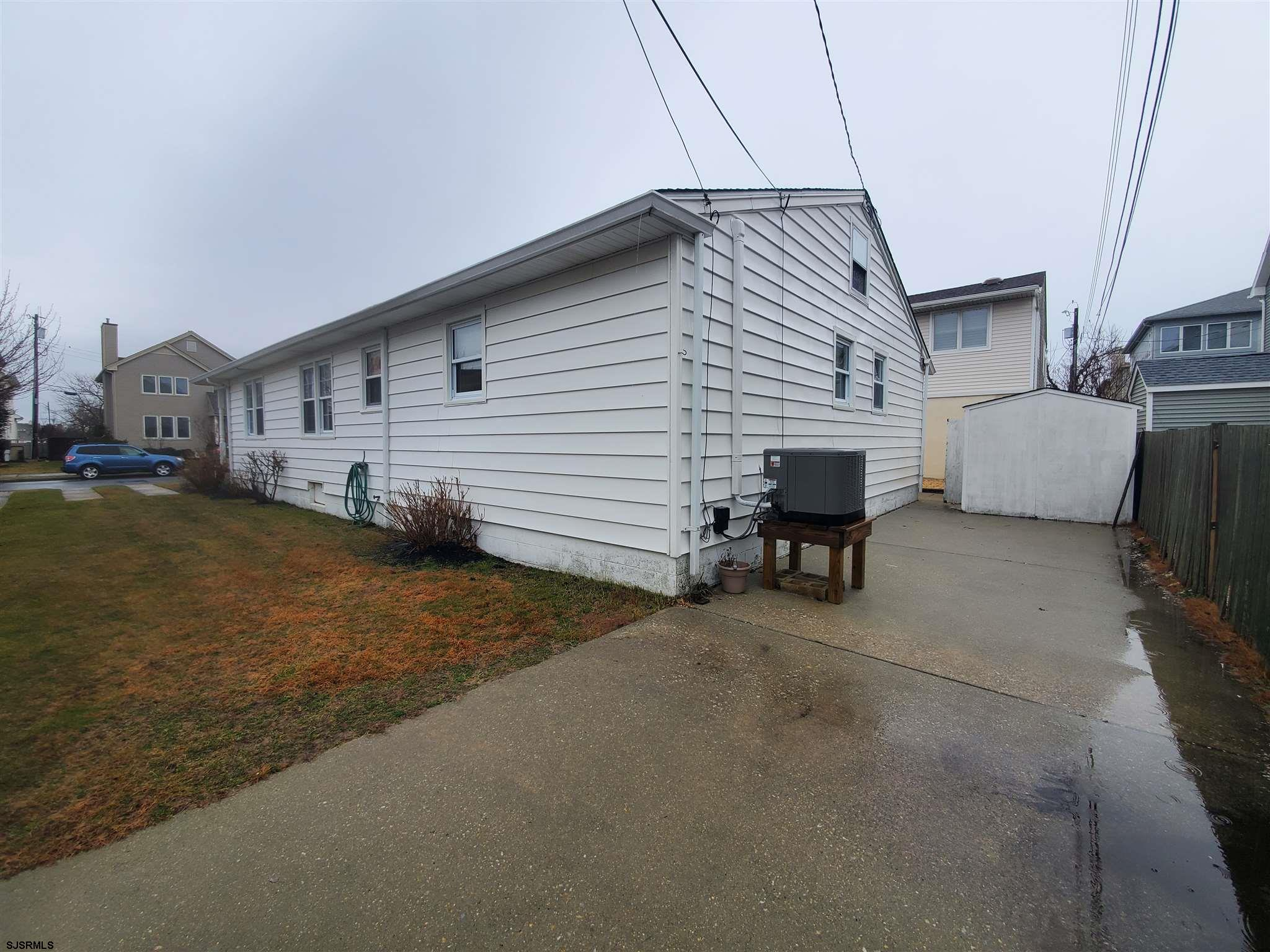 8214 Marshall Avenue - Picture 3