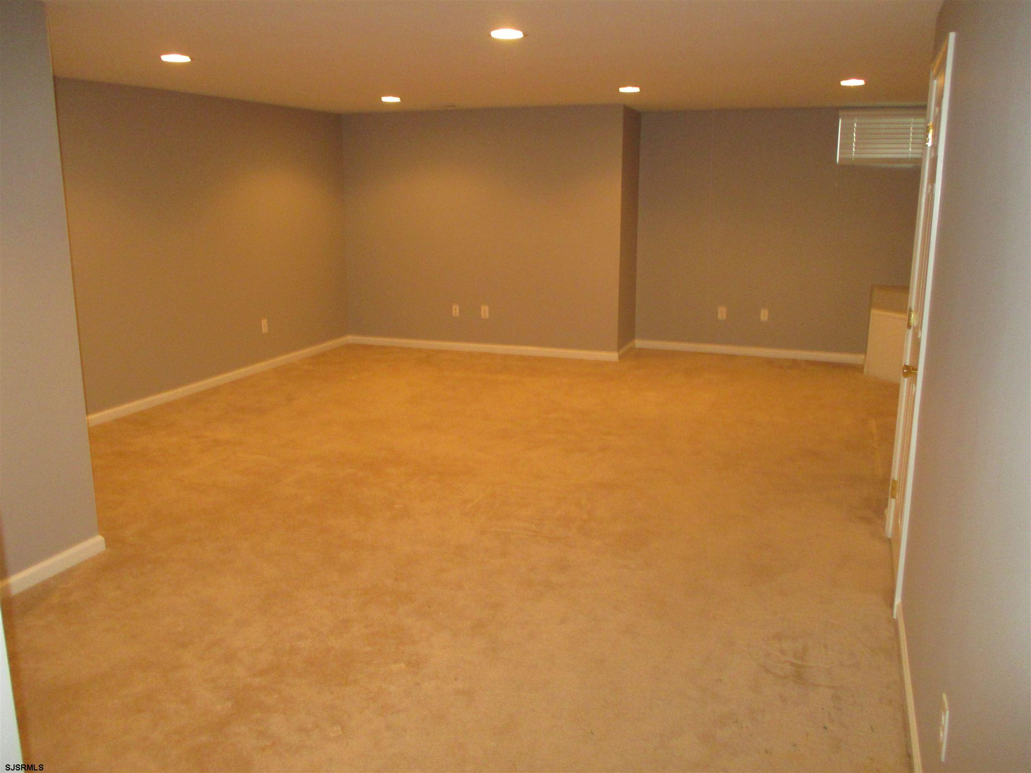 154 Meadow Cir - Picture 16